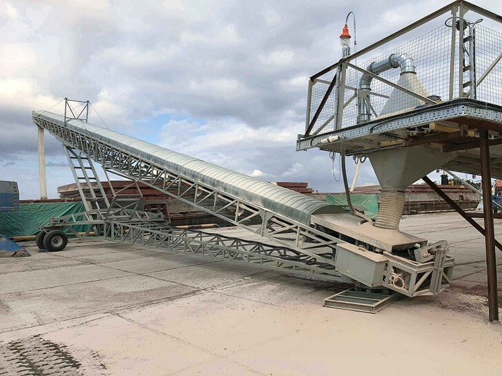 Конвейер погрузки зерна сборщицы на конвейер